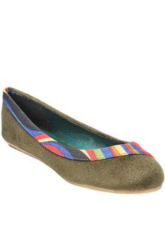 Green Belly Shoes Price: Rs 899