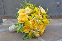 yellow bouquet - bridesmaids