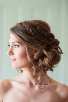 Coiffure de mariée boucles - Les plus jolies coiffures de mariée pour s'inspirer - Elle
