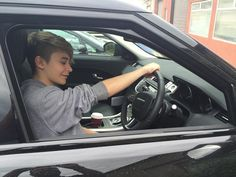 leondre Devries bars and melody