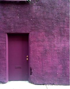 Shades of purple - Variations of Pantone's Color of the Year Radiant Orchid Purple Door, Purple Walls, Purple Haze, Shades Of Purple, Deep Purple, Purple Ombre, Lilac Sky, Periwinkle, Murs Violets