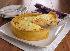 Tempo: 1h10Rendimento: 6Dificuldade: fácil Ingredientes: 2 xícaras (chá) de farinha de trigo 1 ovo 1/2 xícara (chá) de margarina 1/2 colher (chá) de sal Recheio: 2 colheres (sopa) de manteiga 2 dentes de alho amassados 1 cebola picada 2 tomates picados 2 e 1/2 xícaras (chá) de palmito em rodelas 1 colher (sopa) de farinha […]
