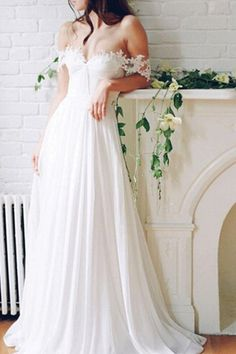 Wedding Dresses, Wedding GOwns, Wedding Planning Tips, Bride, Wedding Decorations, Wedding Decor, Wedding, - Charming Grace Events https://www.charminggraceevents.com/