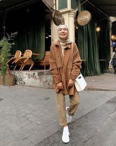 Source by saragoure outfits hijab Hijab Pants Models 2020 Hijab Casual, Modest Fashion Hijab, Modern Hijab Fashion, Street Hijab Fashion, Modesty Fashion, Muslim Fashion, Korean Fashion, Casual Outfits, Hijab Chic