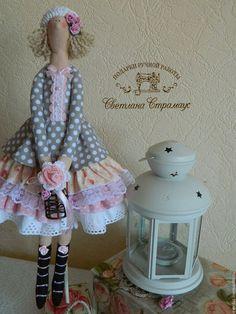 Купить или заказать Нежная кукла Тильда  в стиле Шебби шик в интернет-магазине на Ярмарке Мастеров. Кукла ручной работы в стиле Тильда - прекрасный подарок для Вас и Ваших близких. Эта нежная куколка принесет в Ваш дом радость и уют. Выполнена п…