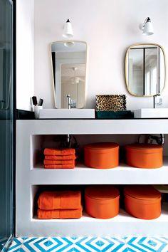 Mixer les styles et les époques Marie Claire, Home Deco, Mixer, White Walls, Panelling, Light Colors, Home_decor, Stand Mixer