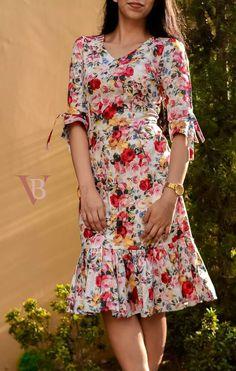 ¿Qué tal llevar un vestido estampado? Que tal usar um vestido estampado? ¿Qué tal llevar un vestido estampado? Simple Dresses, Cute Dresses, Beautiful Dresses, Casual Dresses, Short Dresses, Summer Dresses, Summer Skirts, Floral Dresses, Floral Fashion