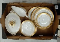 Collectors & General Auction – Lot 200 – A collection of Royal Doulton Belmont dinner ware to include dinner plates, side plates, bowls, tureen, etc.  (28)  Sale Price £160.00.
