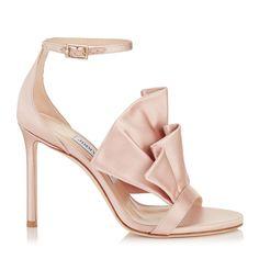 c2096e20d06f 421 meilleures images du tableau Des Jolies Chaussures   Pochettes ...