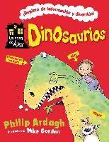 """""""Dinosaurios"""" de Philip Ardagh y Mike Gordon. Álex es un niño corriente que vive en una casa insólita. Junto con Migajas, su intrépido perro, y el encargado Bernardo, descubrirá los secretos de los dinosaurios. Para hacerlo más divertido, curiosos compañeros de aventuras lo acompañarán por las habitaciones de la casa, transformadas para entender cómo vivían los grandes saurios. Si quieres aprender cosas curiosas y no tienes miedo, entra en la casa de Álex.  DE 6 A 8 AÑOS"""