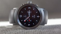 The LG Watch Sport is beautiful precisely because it's big