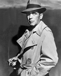 Humphrey Bogart in Film Noir detective costume Golden Age Of Hollywood, Hollywood Stars, Classic Hollywood, Old Hollywood, Classic Movie Stars, Classic Films, Detective Costume, Detective Outfit, I Look To You