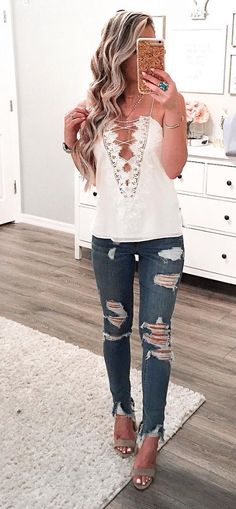 Latest Fashion Trends - This casual outfit is perfect for spring break or  the summer. The Best of summer outfits in 2017