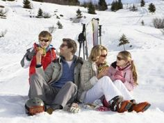 Young Family Sharing A Picnic On Ski Vacation Stock Photo - Image of alpine, outdoors: 20117244 Best Family Vacation Spots, Ski Vacation, Vacation Places, Vacation Ideas, Family Vacations, Vacation Destinations, Winter Fun, Winter Travel, Winter Sports