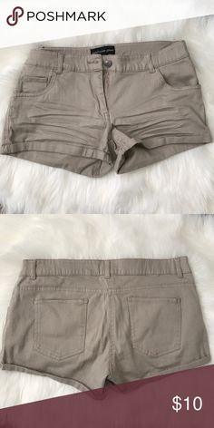 Nude brown shorts Size M. Still looks new :) Shorts