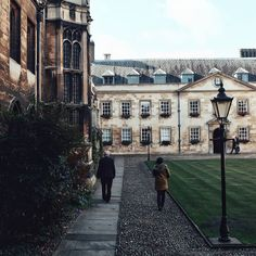 Happy Sunday! . Another shot from Peterhouse just because it's my favourite  . Not sure where we're off to this morning but it's time to get ready  Have a good one!!