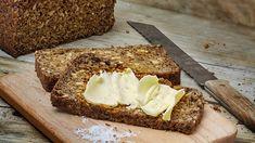Tuhti leipä on täynnä terveellisiä siemeniä. Sugar Free, Banana Bread, Keto, Food, Essen, Meals, Yemek, Eten