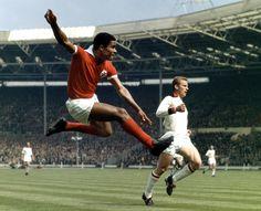 A #Soccer #Legend has left us. RIP Eusébio.