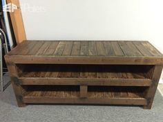 Pallet Entertainment Unit Pallet TV Stand & Rack #Pallettvstands