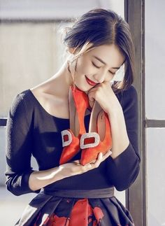 Gao yuanyuan cooperated with daphne shoes company and designed the shoes named by her name Daphne Shoes, Gao Yuanyuan, Good Looking Women, Beautiful Asian Girls, Beautiful Women, Chinese Actress, Bride Hairstyles, Celebrity Crush, Asian Beauty