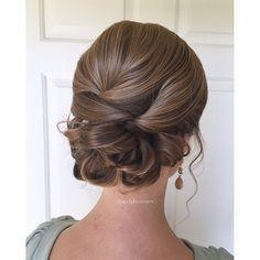 36 wedding hairstyles for medium hair medium hair wedding and classy wedding updo junglespirit Image collections