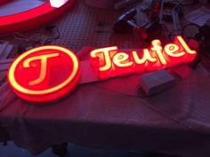 Lumifoam frontlit piepschuim letters met led verlichting Neon Signs, Logos, Logo