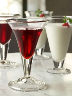 Raise a glass for two of America's greatest presidents with a cup of Martha Washington's Cherry Bounce.