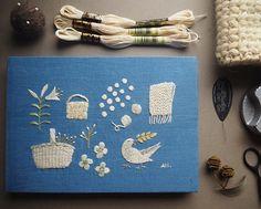 一番よく使うのはecruという白い糸。真っ白ではないけれど、何色にも染まっていない温かな生成り色。#刺繍#手刺繍#手づくり#手仕事#ハンドメイド#白#生成り#冬#鳩#百合#かご#毛糸#植物#ストール#ニット#雪#マカベアリス#embroidery #embroideryart #handembroidery #white #ecru#knit#flowers #alice_makabe