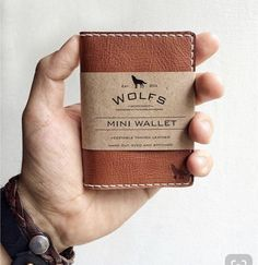 Best Moder Minimalist Wallets Leather Wallet Pattern, Leather Card Wallet, Handmade Leather Wallet, Leather Gifts, Leather Art, Custom Leather, Minimalist Leather Wallet, Cuir Vintage, Wallets For Women Leather