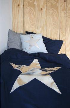 Kamer; slaapkamer hidde Merk; Dekbedovertrek met zilveren ster.
