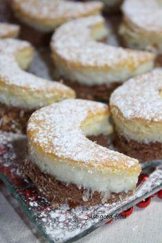 Just good food: Polumjeseci Cookie Desserts, Sweet Desserts, Sweet Recipes, Cookie Recipes, Dessert Recipes, Bosnian Recipes, Torte Recipe, Kolaci I Torte, Good Food