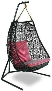 I could sit outside and read sitting in this all day!!