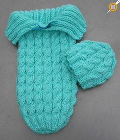 Baby Knitting Patterns Sleeping Bag Free knitting pattern on Cozy in Cables Sleep Sack and matching hat – Designed b… Knitting For Kids, Loom Knitting, Free Knitting, Knitting Projects, Double Knitting, Knitting Needles, Knitting Ideas, Baby Sleeping Bag Pattern, Baby Patterns