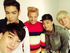 Seungri Tweets a Silly BIG BANG Group Shot