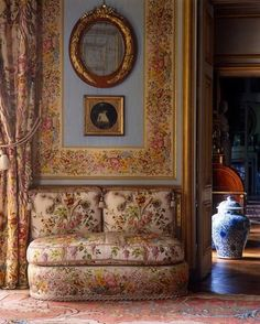 chateau de groussay images | Chateau De Groussay, France. A banquette is upholstered in a beautiful ...
