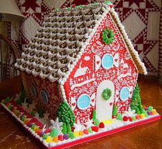 These are truly elaborate gingerbread houses. It's incredible how much money and time a person will put into building a gingerbread house. Gingerbread House Designs, Christmas Gingerbread House, Christmas Sweets, Noel Christmas, Christmas Goodies, Gingerbread Man, Gingerbread Cookies, Christmas Crafts, Xmas