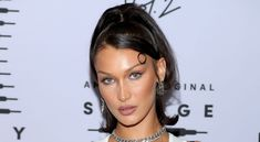 Bella Hadid Debuted the Coolest Glow-in-the-Dark French Manicure Bella Hadid Makeup, Bella Gigi Hadid, Instagram Grid, Instagram Worthy, Out Of Our Heads, Cool Glow, Daily Beauty, Birthday Nails, Emily Ratajkowski