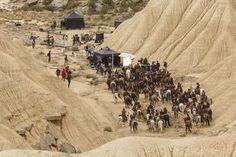 Emilia Clarke Rides Again In Navarra—Season 6 pics (SPOILERS!)