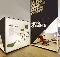 Vitrahaus . Vitra classics Shops, Display Design, Mid Century Modern Design, Modern Graphic Design, Office Interiors, Brand Identity, Mid-century Modern, Classic, Home Decor