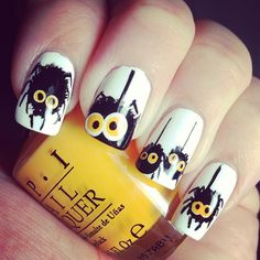 Just look at our collected easy and fun Halloween nail art designs to get inspired. Cute Halloween Nails, Halloween Nail Designs, Halloween Halloween, Love Nails, Fun Nails, Pretty Nails, Xmas Nails, Christmas Nails, Short Nail Designs