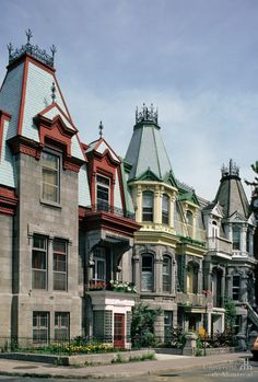St Louis, Montreal Architecture, Rue, Saints, Victorian Houses, Mansions, House Styles, Places, Homes