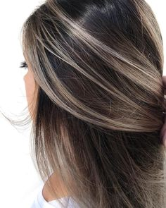 CONTRAST 🔘💫 color melted roots by Mindi Markt. - - CONTRAST 🔘💫 color melted roots by Mindi Markt. Brown Hair With Blonde Highlights, Brown Hair Balayage, Hair Color Balayage, Brown Hair Shades, Light Brown Hair, Brown Hair Colors, Grey Brown Hair, Brunette Hair, Hair Trends