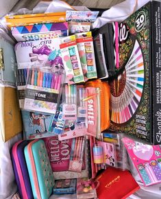 Back To School Stationery, Stationary School, Projekt Mc2, School Suplies, School Organization Notes, Diy Crafts For Girls, Craft Room Design, School Tool, Cute Pens