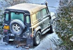 Land Rover Defender 90 County Station Wagon