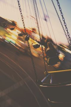 love those swing rides... floating through air...