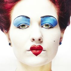 maquillage Halloween femme la Reine de Coeur, Alice au pays des Merveilles