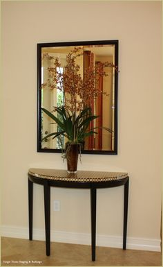 Foyer #home staging  www.forgiehomestaging.com