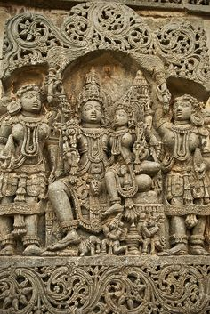 Exquisite sculptures and engravings at the Chennakeshava Temple in Belur, Karnataka - Flickr - Photo Sharing!