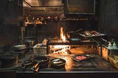 Wood Grill, Fire Grill, Bbq Grill, Grill Restaurant, Restaurant Kitchen, Restaurant Design, Restaurant Ideas, Antique Cast Iron Stove, Cooking Over Fire