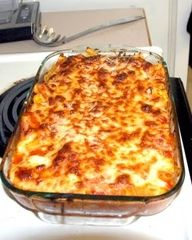 baked ravioli - easy dinner. Use canned sauce for quick dinner after work.